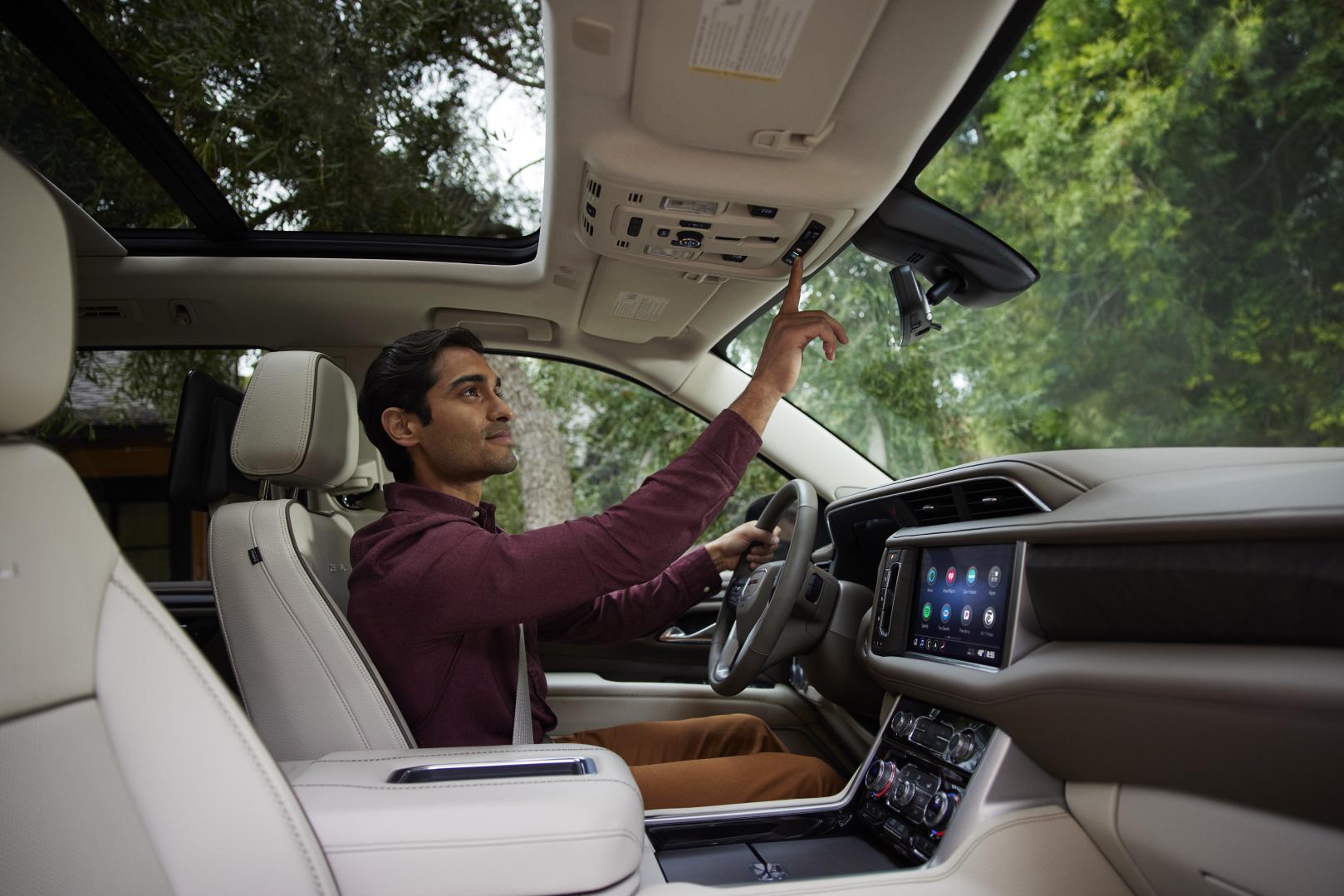 GMC driver using turn-by-turn OnStar navigation